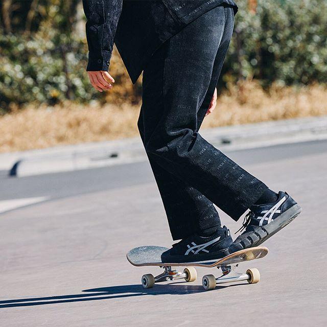 本日ローンチ日本が誇るスポーツブランドASICSからスケートボーディングラインが登場。各スポーツ界で実証済みのASICSクオリティをスケートボードでぜひ体感してください。第一弾は中村貴咲をフィーチャーしたハイエンドモデルがリリースされます。#asics #asicsskateboarding #asicssportstyle#instantskateshop #instanturayasu