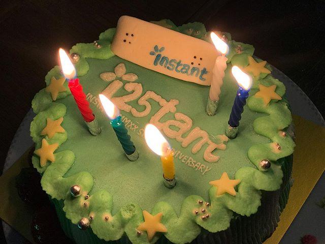 素敵なバースデーケーキありがとうございます!!! #i25tant  #urayasumarkets #chizutopen #codamacakes#instantskateshop#instanturayasu