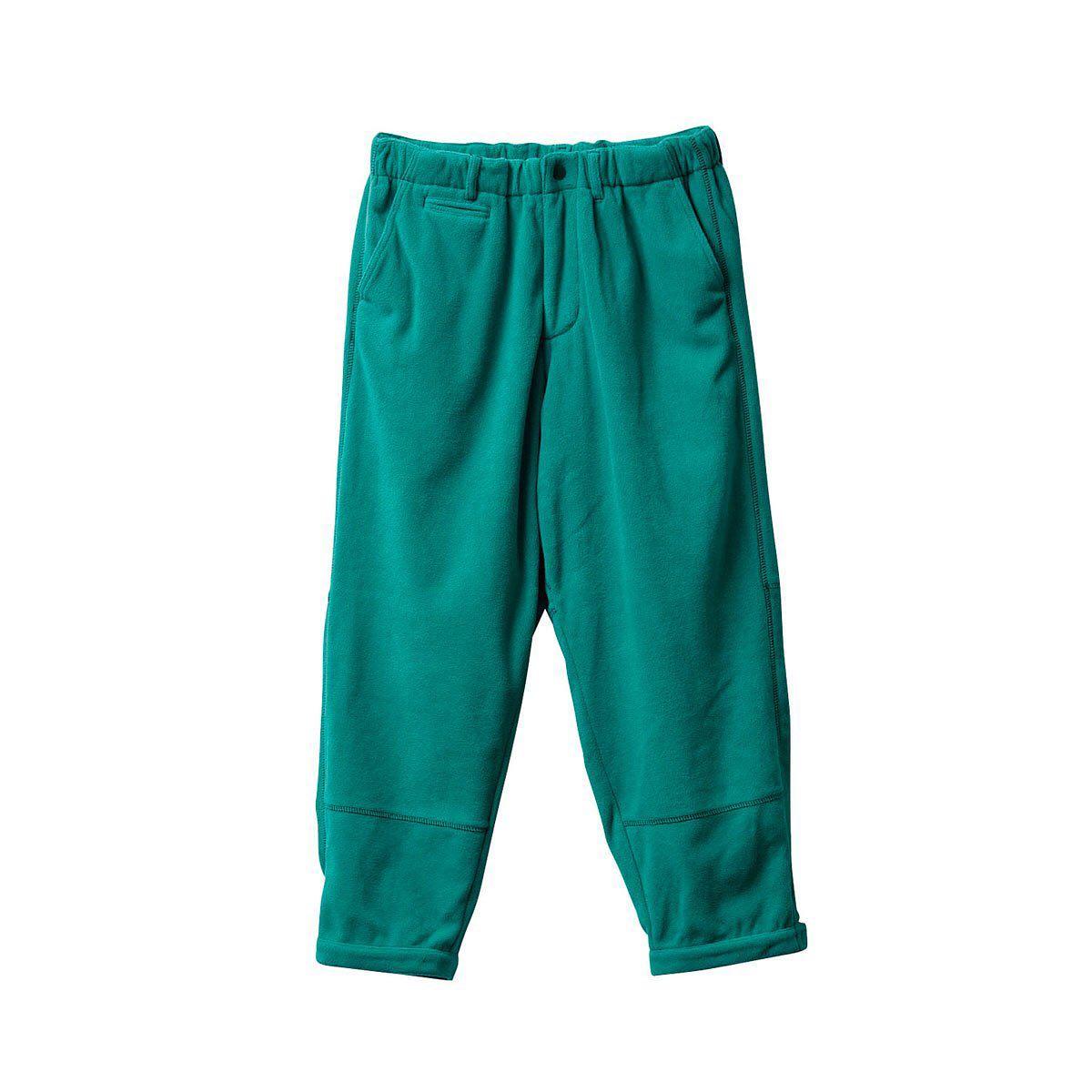・@evisenskateco / STITCH FLEECE PANTS冬に欠かせないフリースパンツをNewシルエットで仕上げました。保温性はもちろん、股部分に設けたマチで可動域を広げ、動きやすさも確保。切り替え部分のステッチ配色が洒落の効いたアクセントに。裾のマジックテープでシルエットラインの調整が可能STITCH FLEECE JKTとのセットアップもおすすめ。