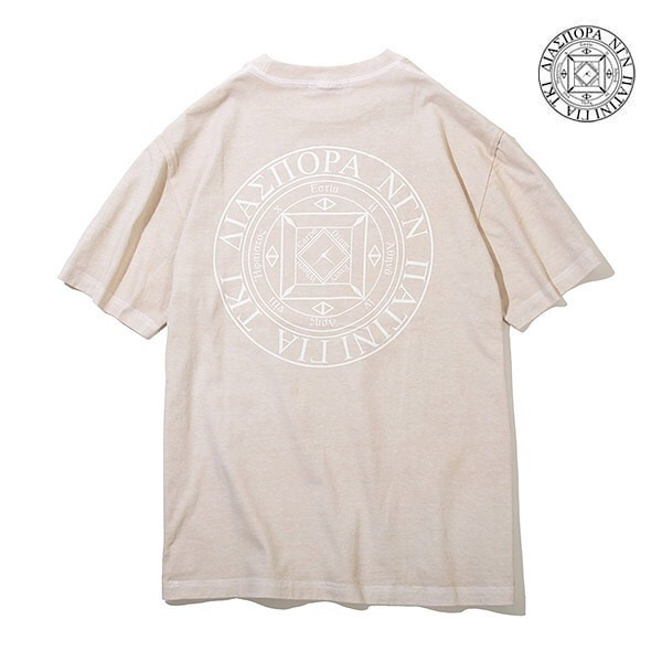 DIASPORA / DYED MAGIC CIRCLE TEEModesty Industryによる後染めボディを採用した、定番のマジックサークルTシャツ。