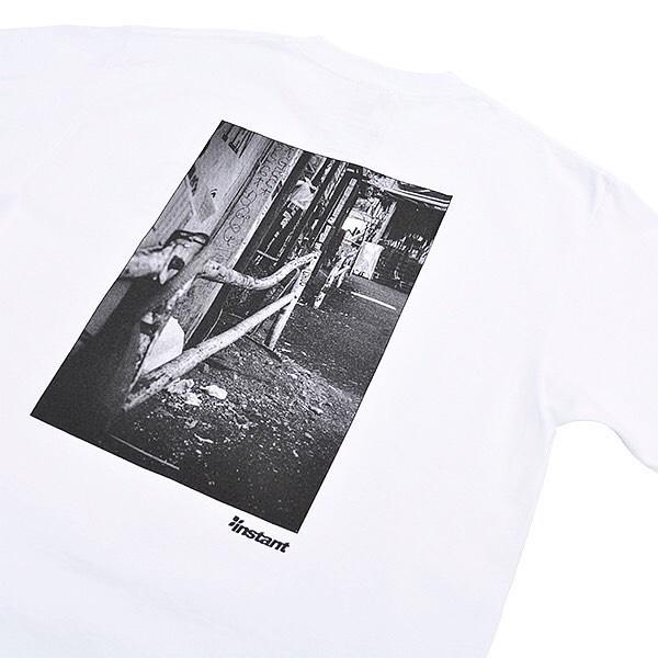 """本日発売!【instant 16 Photo Tee with Zine】モノクロ印刷でスケートスポットが集められているZineが付属する""""instant 16 Photo Tee with Zine""""は、Zineを片手にスポット巡りを行いつつ、ページの最後に掲載している渋谷Mapをチェックしていくという楽しさがあじわえます。サイズ:S, M, L, XL, XXLカラー:White, Black価 格:¥4,950#16sixteen#instantskateshop#instantshibuya#miyashitapark"""
